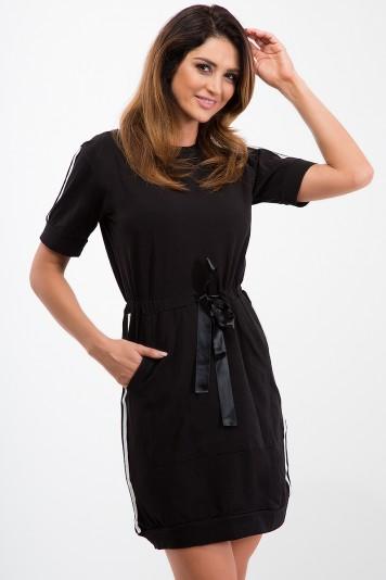 Czarna sukienka z lampasami 3531