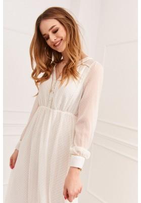 Hladké šaty svázané v pase páskem, hnědé