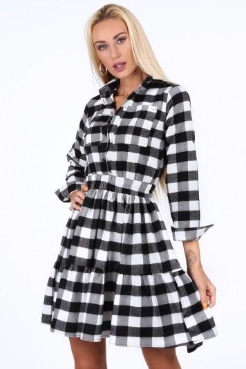 Černobílé kostkované dámské šaty
