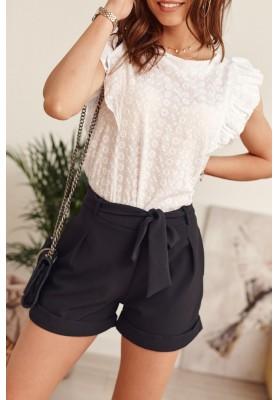 Elegantní krátké šortky s bočními kapsami a vázáním v pase, černé