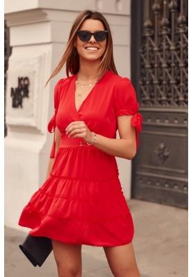 Nadčasové šaty s výstřihem as krátkými svázanými rukávy, červené