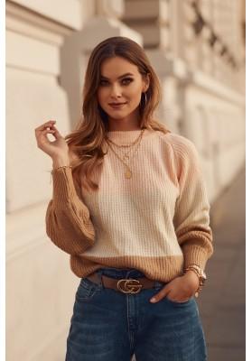 Moderní dámský svetr, vyrobený z jemné látky, lososový