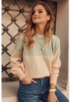 Moderní dámský svetr, vyrobený z jemné látky, zelený