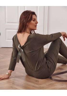 Minimalistický dámský overal s výstřihem ve tvaru V vzadu, khaki