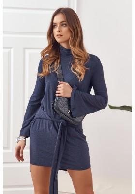 Asymetrické šaty s rolákem a dlouhými rozšířenými rukávy, modré