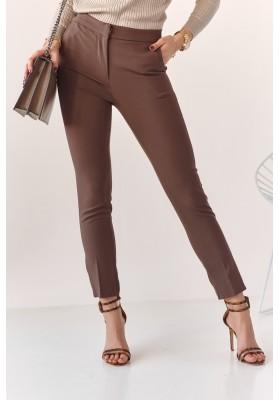 Úzké kalhoty s naznačenými záhyby, hnědé