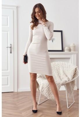Vypasované šaty se stojáčkem a ozdobnou řetízkem na výstřihu, béžové