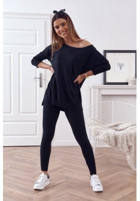 Pohodlná souprava pletené halenky s kalhotami, černá