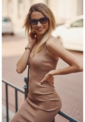 Nadčasové, přiléhavé šaty v mini délce na ramínka, hnědé