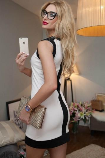 Sukienka mini blady róż 9641