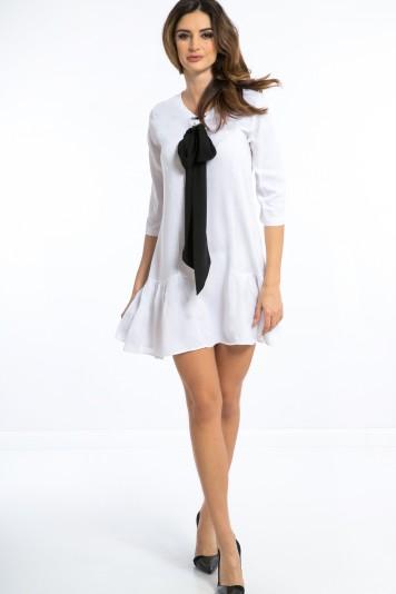 Biała Sukienka z Czarną Krawatką 1180