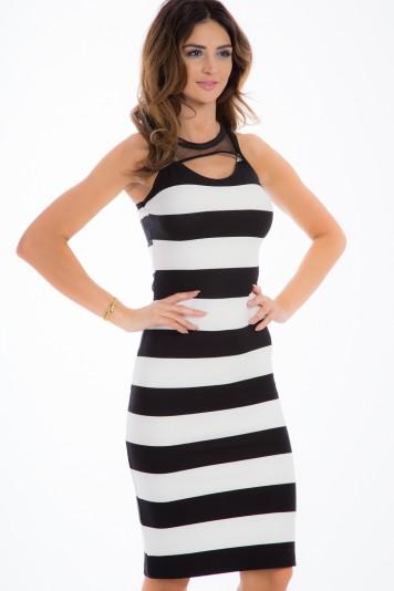 Czarna sukienka w pasy 5284