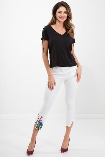 Białe spodnie z haftami 21442