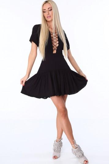 bec13c87fcbc Černé dámské šaty se šněrováním na přední a zadní straně
