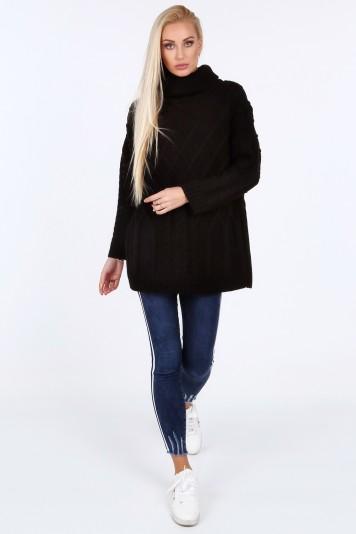 Czarny sweter z golfem 0210