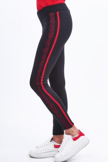 Czarne legginsy ocieplane z czerwonymi lampasami 9444