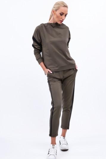 Khaki komplet dresowy z czarnymi lampasami 0224