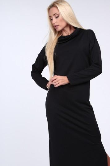 Czarna sukienka z szerokim golfem na co dzień 1950