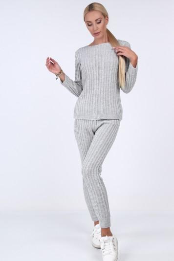 Jasnoszary komplet swetrowy ze spodniami 0230