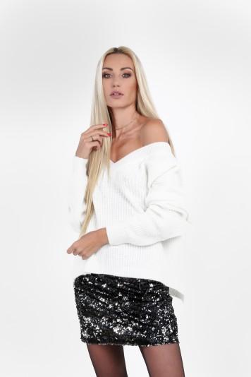 """Kremowy luźny sweter z dekoltem """"V"""" 10060"""