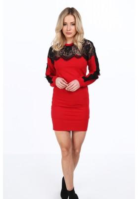 Czerwona sukienka z koronkowym dekoltem dopasowana 2072