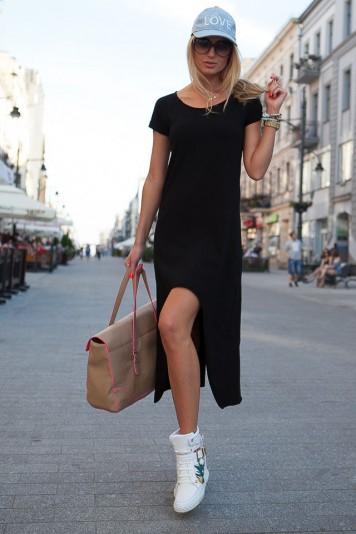 Elegantní tylové šaty s půlkruhovým, průhledný výstřihem
